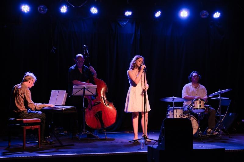 avec Allison Linde & le Trio Magica